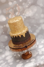 Black_and_gold_50th_birthday_cake