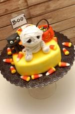 Candy_corn_halloween_cake