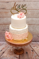 Engagement_ruffles_and_gold_cake