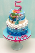 Frozen_summer_cake
