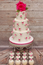 Romantic_roses_wedding_cake