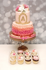 Ruffles_and_roses_baby_shower_cake