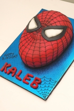 Spiderman_face_cake