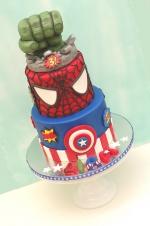Superheroes_Cake