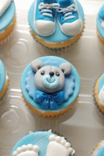 Baby_boy_sneakers_cupcakes_2