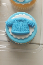 Baby_boy_sneakers_cupcakes_3