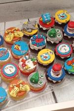 Dr_seuss_cupcakes_10