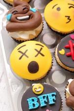 Emojie_cupcakes_1