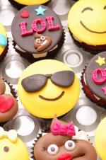 Emojie_cupcakes_3