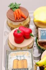 Farmer's_market_cupcakes_15