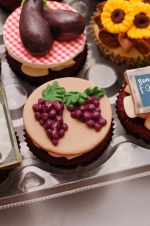 Farmer's_market_cupcakes_7
