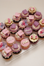 Graduation_pink_and_purple_cupcakes