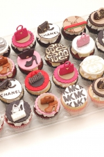 Handbags_and_shoes_cupcakes
