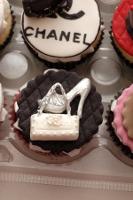 Handbags_and_shoes_cupcakes_4