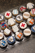 Pharmacy_graduation_cupcakes