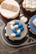 Pharmacy_graduation_cupcakes_1