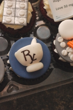 Pharmacy_graduation_cupcakes_2