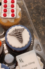 Pharmacy_graduation_cupcakes_5