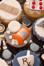 Pharmacy_graduation_cupcakes_8