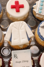 Pharmacy_graduation_cupcakes_9