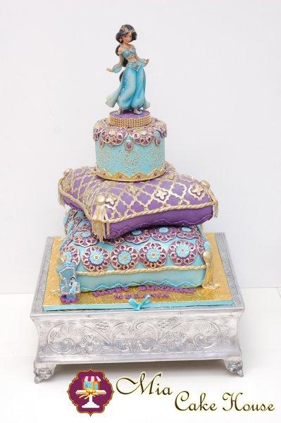 princess_jasmine_pillows_cake