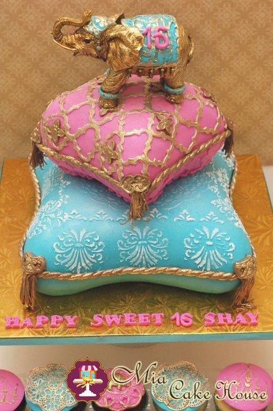 sweet_16_pillow_tower_2