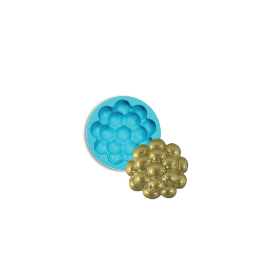 polka-dot-silicone-mold-1
